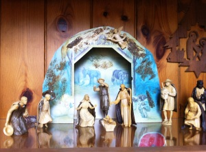 Glass cabinet Nativity Crib Scene