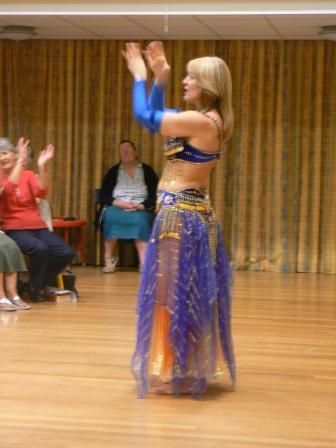 A blur of exotic dancing (3/6)