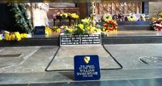 Shakespeares Tomb2