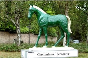 horse sculpture1
