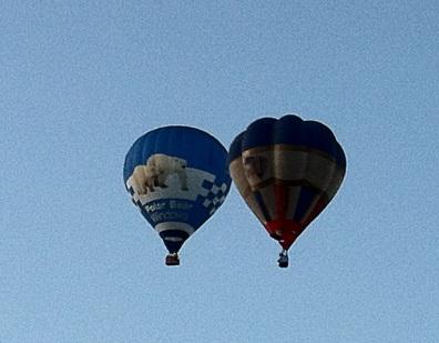 Balloon duet