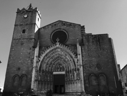 Monochrome Basilica