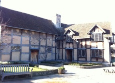 The Birthplace became a Pub and Inn for some years. Shakespeare extended the house at the back.