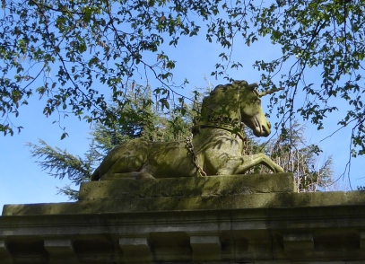 kew unicorn on gate