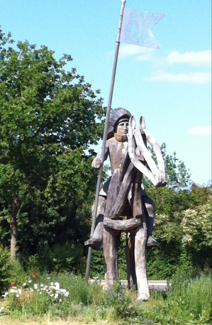 tewkesbury sculpture2