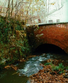 river-chelt-flows-under-great-western-road-and-millbrook-street-and-the-remains-of-the-honeybourne-railway-line.